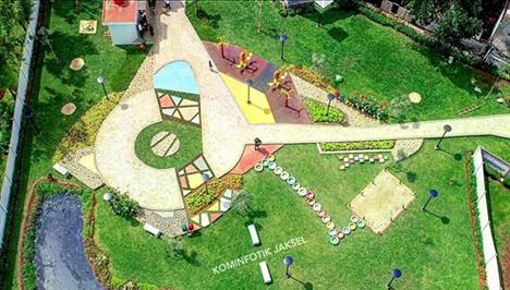 Taman Maja Lenteng Agung Berwarna